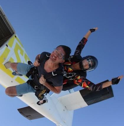 Ölmeden Önce yapılacaklar : Dubai'de SkyDive!! :)
