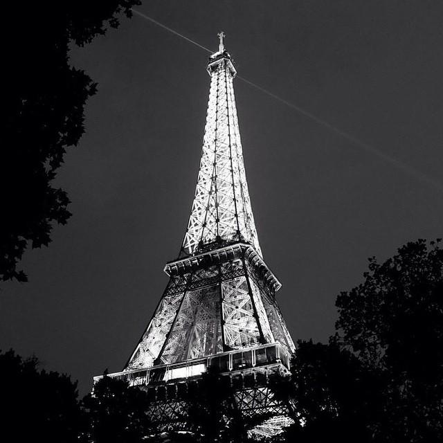 Paris - Eiffel Kulesi Gece