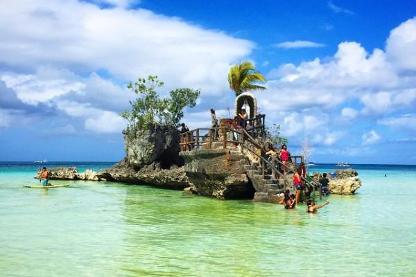 Filipinler - Boracay - Beyaz Kum Plajı - Willy's Rock