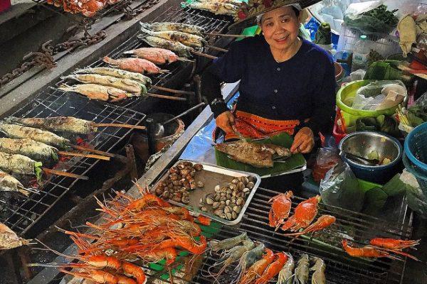 Tayland-Bangkok-Tailing-Chan-Yüzen-Pazar