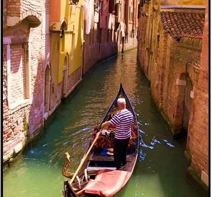 Venedikte Sevgilinle Gondola Bin