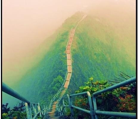 Hawaii'de Cennete Çıkan Merdivenleri Tırman