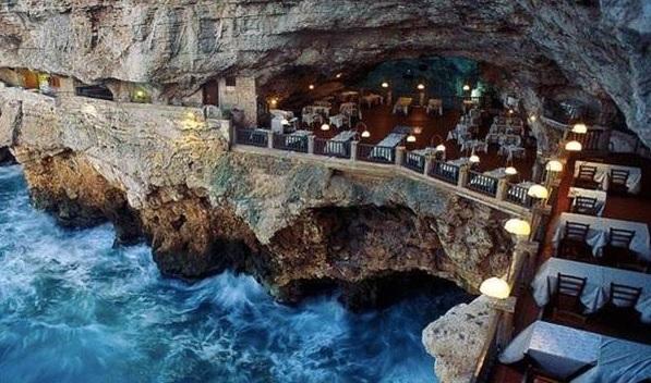 Ristorante-Grotta-Palazzese-Puglia-İtalya