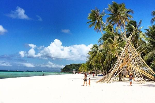 Filipiner - Beyaz Kum Plajı