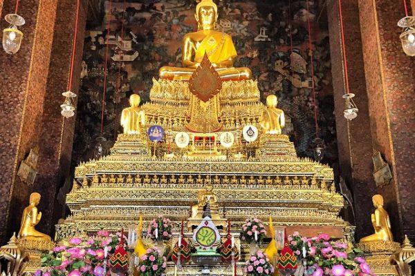 Tayland-Bangkok-Wat-Pho-Tapınağı-Oturan-Buddha